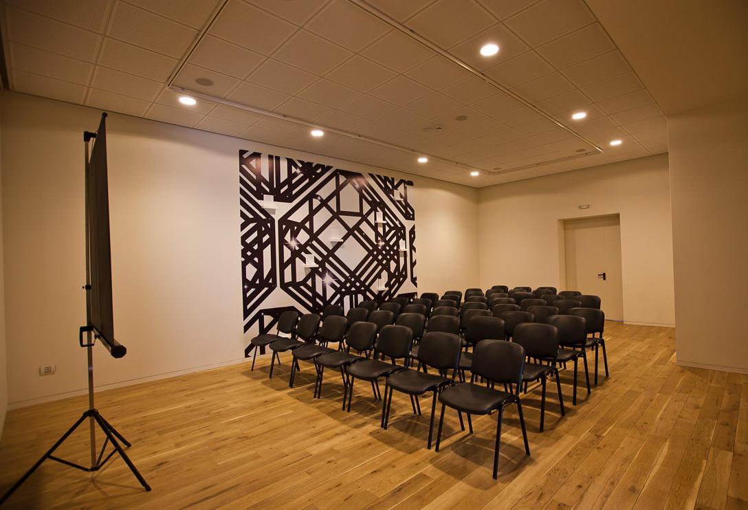 Gallery Lounge.jpg